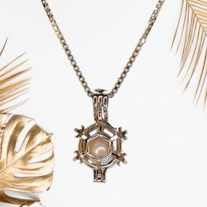 Vantel Pearls Snowflake Cage Necklace
